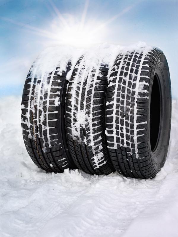 acheter pneu neige achat de pneu prix discount acheter pneu neige guide et achat au meilleur. Black Bedroom Furniture Sets. Home Design Ideas