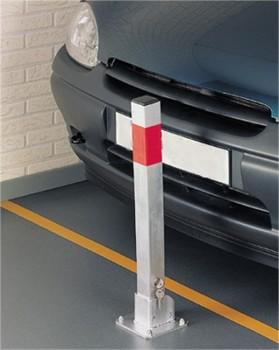 Poteau bloque-parking rabattable