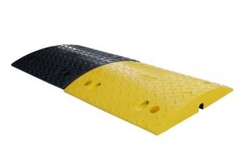 Ralentisseur noir et jaune